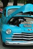 Voor eind van een blauwe auto Stock Foto