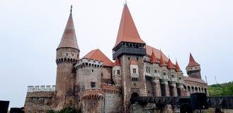 Voor het Vajdahunyad-kasteel royalty-vrije stock afbeeldingen
