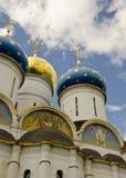 Drievuldigheid Lavra van St. Sergius. De Kathedraal van de veronderstelling Royalty-vrije Stock Foto's