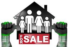 Voor Verkoop - ModelHouse met een Familie Royalty-vrije Stock Foto's