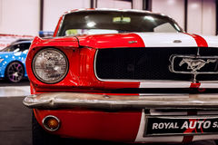 Vooraanzicht van auto Klassiek Ford Mustang GT 390 Royalty-vrije Stock Afbeelding