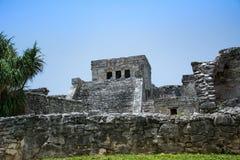 Vooraanzicht van de belangrijkste tempel bij de Oude Mayan ruïne Tulum Mexico Royalty-vrije Stock Fotografie