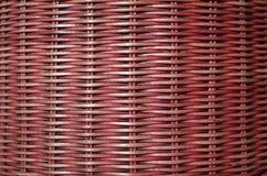 Vooraanzicht van de donkerrode gekleurde oppervlakte van het rotanmeubilair, voor achtergrond Royalty-vrije Stock Afbeeldingen