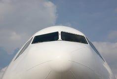 Vooraanzicht van een Cockpit van het Vliegtuig Royalty-vrije Stock Foto's