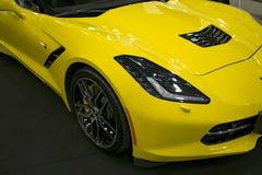 Vooraanzicht van een geel Chevrolet-Korvet Z06 Auto buitendetails Royalty-vrije Stock Afbeelding