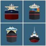 Vooraanzicht van een vrachtschip Stock Afbeeldingen