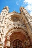 Vooraanzicht van gotische Kathedraal Royalty-vrije Stock Foto's