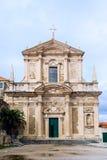 Vooraanzicht van Heilige Ignatius Church in Dubrovnik Stock Fotografie
