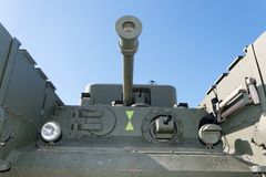 Vooraanzicht van oude Britse tank Churchill stock afbeeldingen