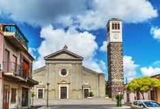 Vooraanzicht van Santa Maria-kerk in Cabras Stock Foto