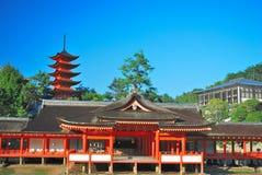 Vooraanzicht van tempelarchitectuur en pagode royalty-vrije stock foto