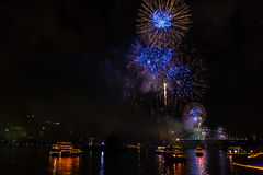 Vooravond 2015 van Sydney New Year vuurwerk Stock Foto