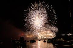Vooravond 2015 van Sydney New Year vuurwerk Stock Foto's