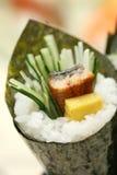 Voorbereide en heerlijke sushi die in studio worden genomen stock fotografie