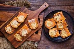 Voorbereide het bakken partijen van kruidig droog verscheurd varkensvleesbrood Stock Afbeelding