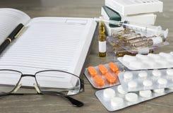 Voorbereiding van een medisch voorschrift Stock Foto