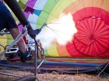 Voorbereiding voor een rit van de hete luchtballon Stock Fotografie
