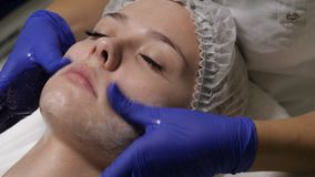 Voorbereiding voor kosmetische procedures stock videobeelden