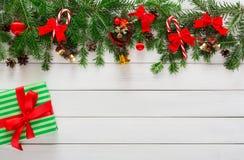 Voorbereidingen treffend voor Kerstmisachtergrond, hoogste mening Royalty-vrije Stock Foto's