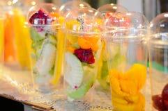 Voorbereidingen voor het maken van fruit Stock Afbeeldingen