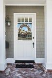 Voordeur van een huis voor de betere inkomstklasse royalty-vrije stock fotografie
