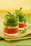 Voorgerecht met tomaat, kaas en pesto Stock Fotografie