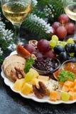 Voorgerechten aan de vakantie - kazen, verticale vruchten en jam, Royalty-vrije Stock Foto