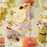 Voorgerechten, gastronomisch voedsel stock afbeeldingen