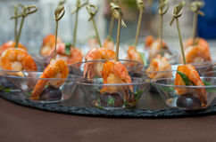 Voorgerechtengarnalen met druiven Royalty-vrije Stock Foto's