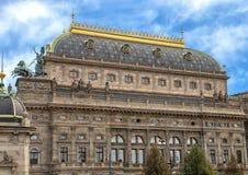 Voorgesteld wordt het Nationale Theater in Praag, Tsjechische Republiek stock foto