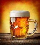 Voorgestelde mok bier Royalty-vrije Stock Foto's