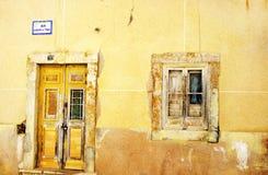 Voorgevel van antiquiteit geruïneerd huis, Portugal royalty-vrije stock foto