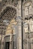 Voorgevel van de Kathedraal en de Lantaarnpaal van Keulen Royalty-vrije Stock Afbeeldingen