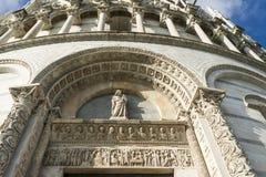 Voorgevel van de torenklok van de Kathedraal van Pisa Stock Afbeelding