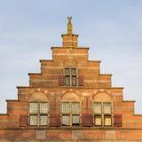 Voorgevel van een historisch Nederlands huis stock afbeeldingen