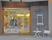 Voorgevel van een lokale opslag van het maniermerk in Barcelona Royalty-vrije Stock Foto