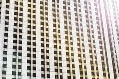 Voorgevel van een moderne wolkenkrabber, achtergrond, textuur stock fotografie