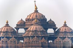 Voorgevel van een tempel Akshardham in Delhi, India royalty-vrije stock foto