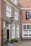 Voorgevel van een traditioneel Nederlands dorpshuis royalty-vrije stock afbeeldingen