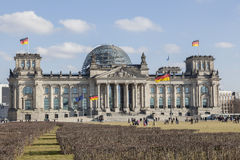 Voorgevel van het Duitse Federale Parlement - Bundestag Stock Fotografie