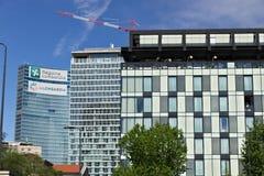 Voorgevel van het Hotel Gallia in Milaan Een deel van een nieuw gebouw rec stock foto's