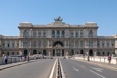 Voorgevel van het Italiaanse Hooggerechtshof in Rome Stock Fotografie