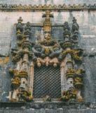 Voorgevel van het Klooster van Christus met zijn beroemd ingewikkeld Manueline-venster in middeleeuws Templar-kasteel in Tomar, P royalty-vrije stock foto's