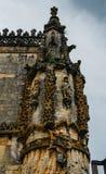 Voorgevel van het Klooster van Christus met zijn beroemd ingewikkeld Manueline-venster in middeleeuws Templar-kasteel in Tomar, P royalty-vrije stock afbeeldingen