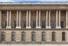 Voorgevel van het Louvre Stock Foto