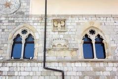 Voorgevel van het Stadhuis in Venzone royalty-vrije stock afbeelding