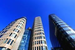 Voorgevel van high-tech stijlgebouwen Stock Foto's