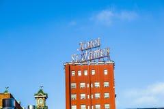 Voorgevel van historisch hotel St. James Royalty-vrije Stock Foto's