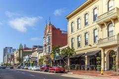 Voorgevel van historische huizen in het gaslampkwart in San Diego Royalty-vrije Stock Afbeeldingen