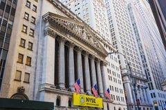 Voorgevel van New York Stock Exchange die lager Manhattan, New York inbouwen Royalty-vrije Stock Afbeeldingen